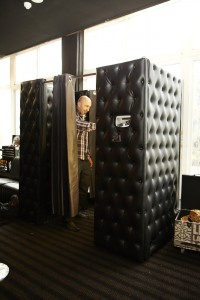 Chesterfield leather enclosed booth Premium