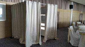 Full curtain Enclosed Booth